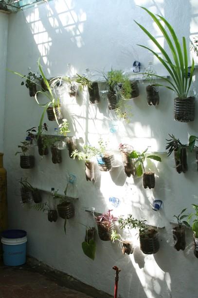 Projects Velada Sta Lucia, Venezuela / Vertical garden with blue Compost pot